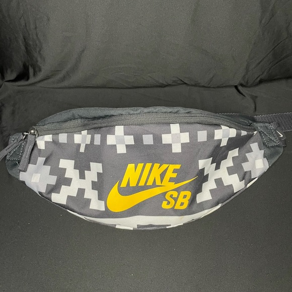 NIKE HERITAGE HIP PACK/ FANNY PACK